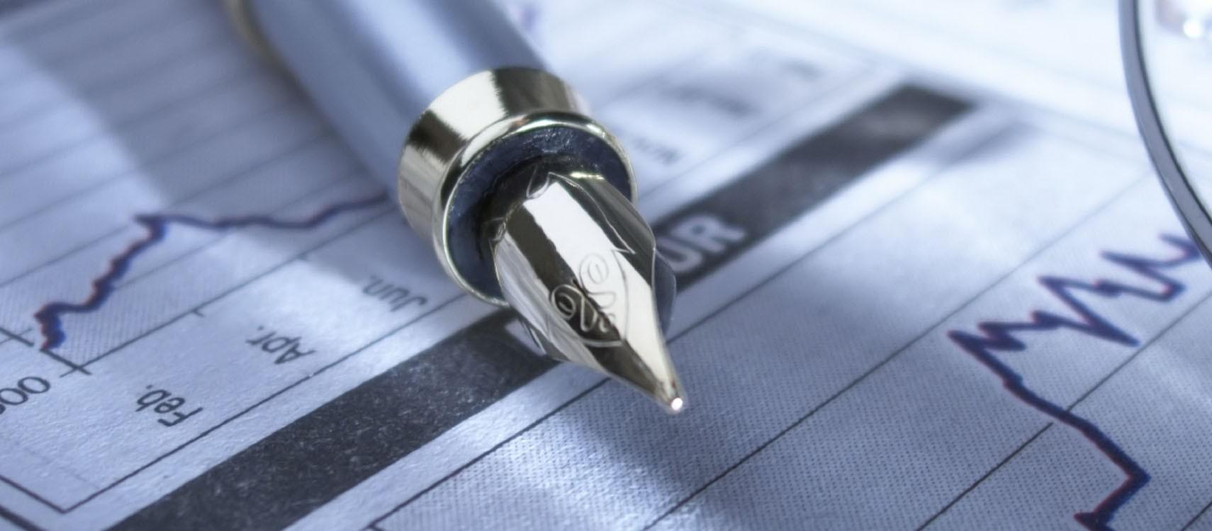 Nuestro departamento de asesoría fiscal y contable le ofrece soluciones profesionales y altamente eficaces incluyendo, no sólo la presentación de los documentos fiscales ante la Administración, sino asesoramiento real para la reducción de su factura fiscal.